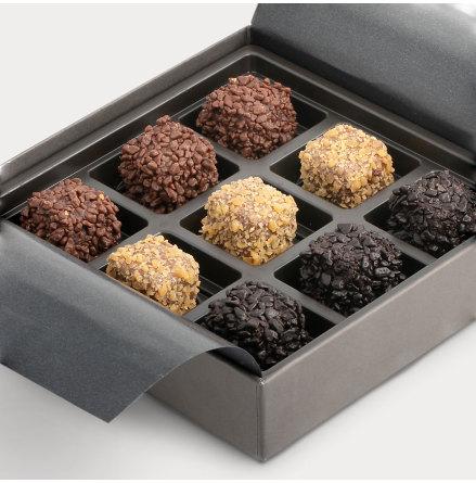 Chokladask med 9 st utvalda praliner