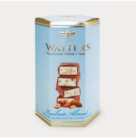 Chokladöverdragna nougatbitar med Hasselnötter & Mandel